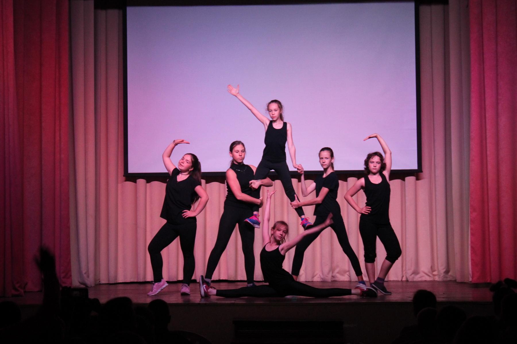 Конкурс танцев на новом году